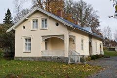 Altes Gebäude auf der roten Villa Lizenzfreies Stockfoto