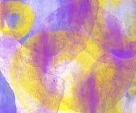 Altes gelbes Papier auf dunklem Hintergrund Stockfotografie
