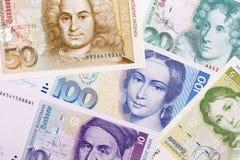 Altes Geld von der Bundesrepublik Deutschland, ein Hintergrund Stockfotos
