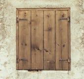 Altes geschlossenes Fenster lizenzfreies stockfoto