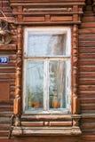 Altes geschnitztes Fenster stockfotos