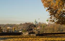 Altes Gewehr nahe der Kirche in Chernihiv Lizenzfreies Stockfoto
