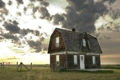 Altes Grasland-Haus stockfoto
