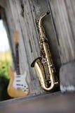 Altes grungy Saxophon Lizenzfreie Stockbilder