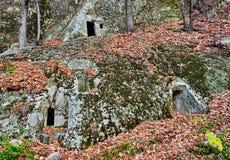 Altes Höhlenkloster Stockbild