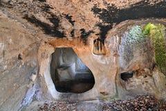 Altes Höhlenkloster Stockbilder