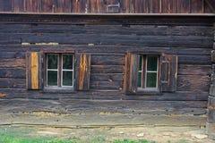 Altes hölzernes Bauernhaus - Burgenland Stockfotos