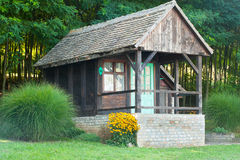 Altes hölzernes Blockhaus Lizenzfreie Stockfotos