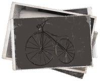 Altes hölzernes Fahrrad der Weinlesefotos Stockbild