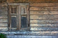 Altes hölzernes Fenster stockbild