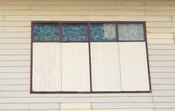 Altes hölzernes Fenster an der alten Stadt Lizenzfreie Stockfotografie