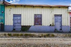 Altes Haus in Ataco, El Salvador Stockbilder
