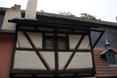 Altes Haus in der Alchemisten ` Straße lizenzfreies stockbild