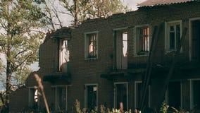 Altes Haus der Demolierung stock video footage