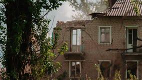Altes Haus der Demolierung stock footage