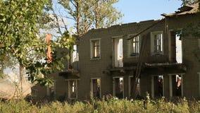 Altes Haus der Demolierung stock video