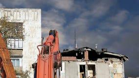 Altes Haus der Demolierung Moskau, Russland stock video