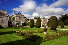 Altes Haus des Landes von Lanhydrock, Bodmin, Großbritannien Stockbild