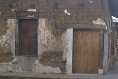 Altes Haus des luftgetrockneten Ziegelsteines Stockbild