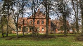 Altes Haus des roten Backsteins Lizenzfreies Stockbild