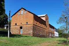 Altes Haus hergestellt in Brasilien Stockbilder
