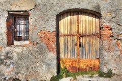 Altes Haus. La Morra, Norditalien. Stockfotografie