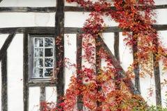 Altes Haus mit Fenster Stockbilder