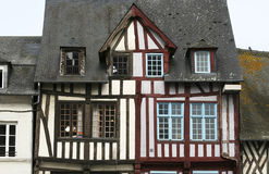 Altes Haus in Normandie lizenzfreies stockbild
