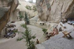 Altes Höhlenbewohnerhauscafé in verstecktem Tal, Cappadocia, die Türkei Stockfotografie