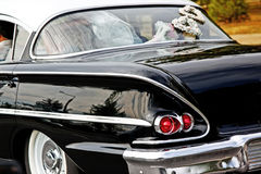 Altes Hochzeitsauto Stockfotografie