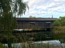 Altes Holz der überdachten Brücke Lizenzfreies Stockbild