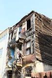 Altes Holzhaus in Istanbul Stockbilder