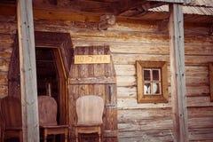 Altes Holzhaus in Zaporozhskaya Sech lizenzfreies stockbild
