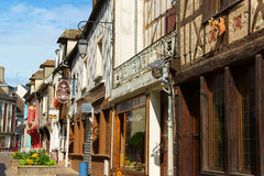 Altes im Stadtzentrum gelegenes Beauvais stockbild