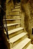 Altes italienisches Treppenhaus Lizenzfreies Stockfoto