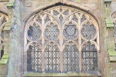 Altes Kathedralenfenster Lizenzfreies Stockfoto