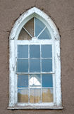 Altes Kirche-Fenster und Adobe-Wand Lizenzfreies Stockfoto
