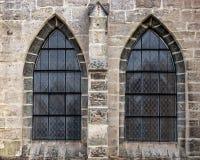 Altes Kirchenfenster, das viel Detail und Beschaffenheit zeigt lizenzfreie stockfotografie