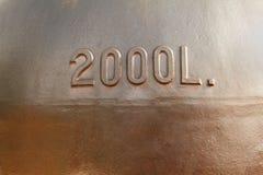 Altes kupfernes Weinbehälterfragment Stockfoto