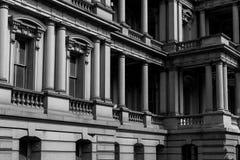 Altes leitende Stellung-Gebäude lizenzfreie stockbilder