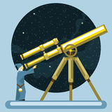 Altes Mag, das ein Teleskop untersucht Stockfoto