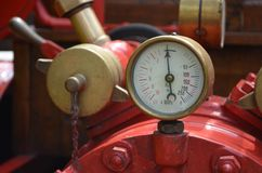 Altes Manometer Stockfotos