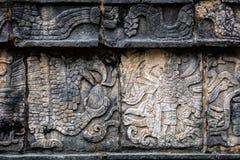 Altes Mayawandgemälde, das einen Adler fasst ein menschliches Herz darstellt Lizenzfreie Stockfotografie