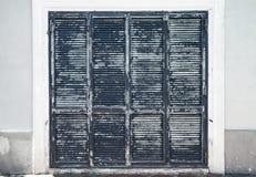 altes verlassenes graues holzhaus lizenzfreies stockfoto bild 31034265. Black Bedroom Furniture Sets. Home Design Ideas