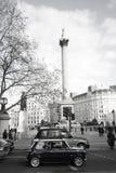 Altes Mini im Trafalgar Quadrat stockfotografie
