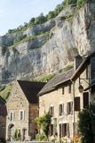 Altes mittelalterliches Dorf von Baume les Messieurs in Frankreich Stockfotografie