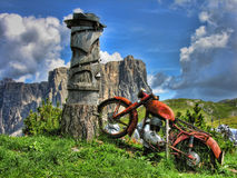 Altes Motorrad, Dolomit Stockfotos