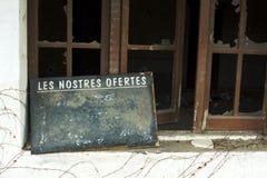 Altes Nachtischangebot einer geschlossenen Gaststätte Lizenzfreies Stockbild