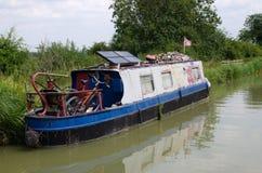 Altes narrowboat/Lastkahn stockfotografie