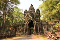Altes Ostgatter zu Angkor Thom Lizenzfreies Stockfoto
